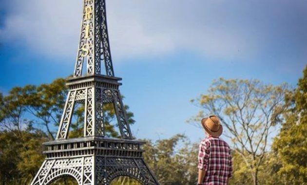 Menara Eiffel Jogja