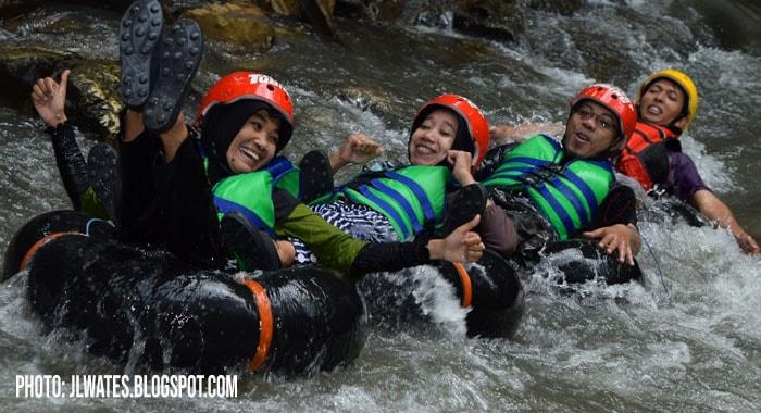 Destinasi River Tubing Karst Sedayu